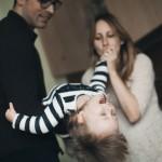 seimos-kaledine-fotosesija-namuose-gyvos-nuotraukos-goodlife-photography-23