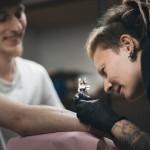 visu-sventu-tattoo-salonas-gimtadienis-reportazas-tatuiruotes-gabi-bast08photography-